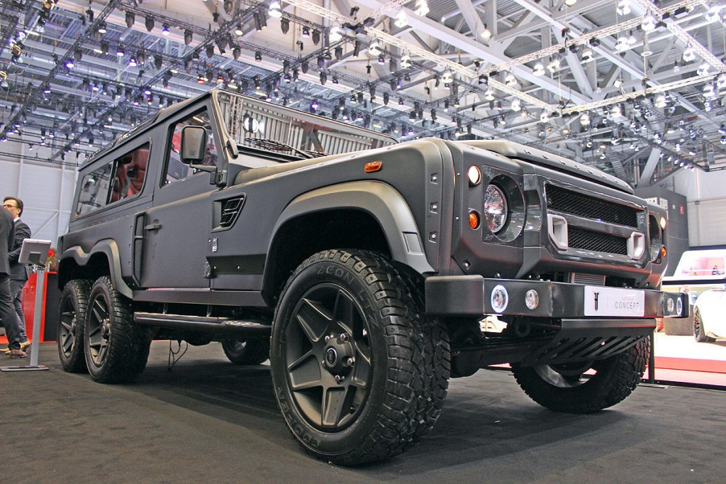 2015-kahn-design-land-rover-defender-6x6-1