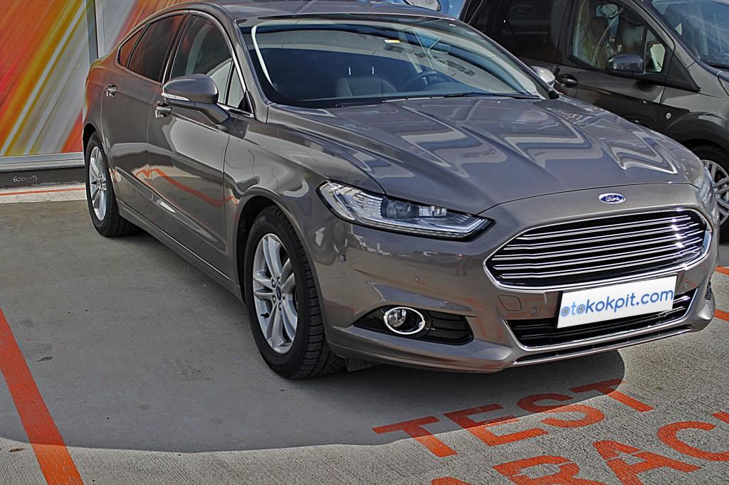 Ford Mondeo Sedan 1.5 EcoBoost Titanium - 1