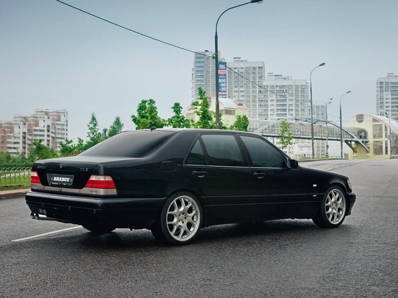 7.3 litre Mercedes S600 W140