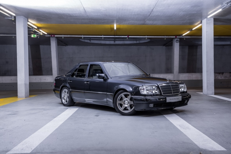 w124-kasa-mercedes-benz-e-60-amg-limited-1