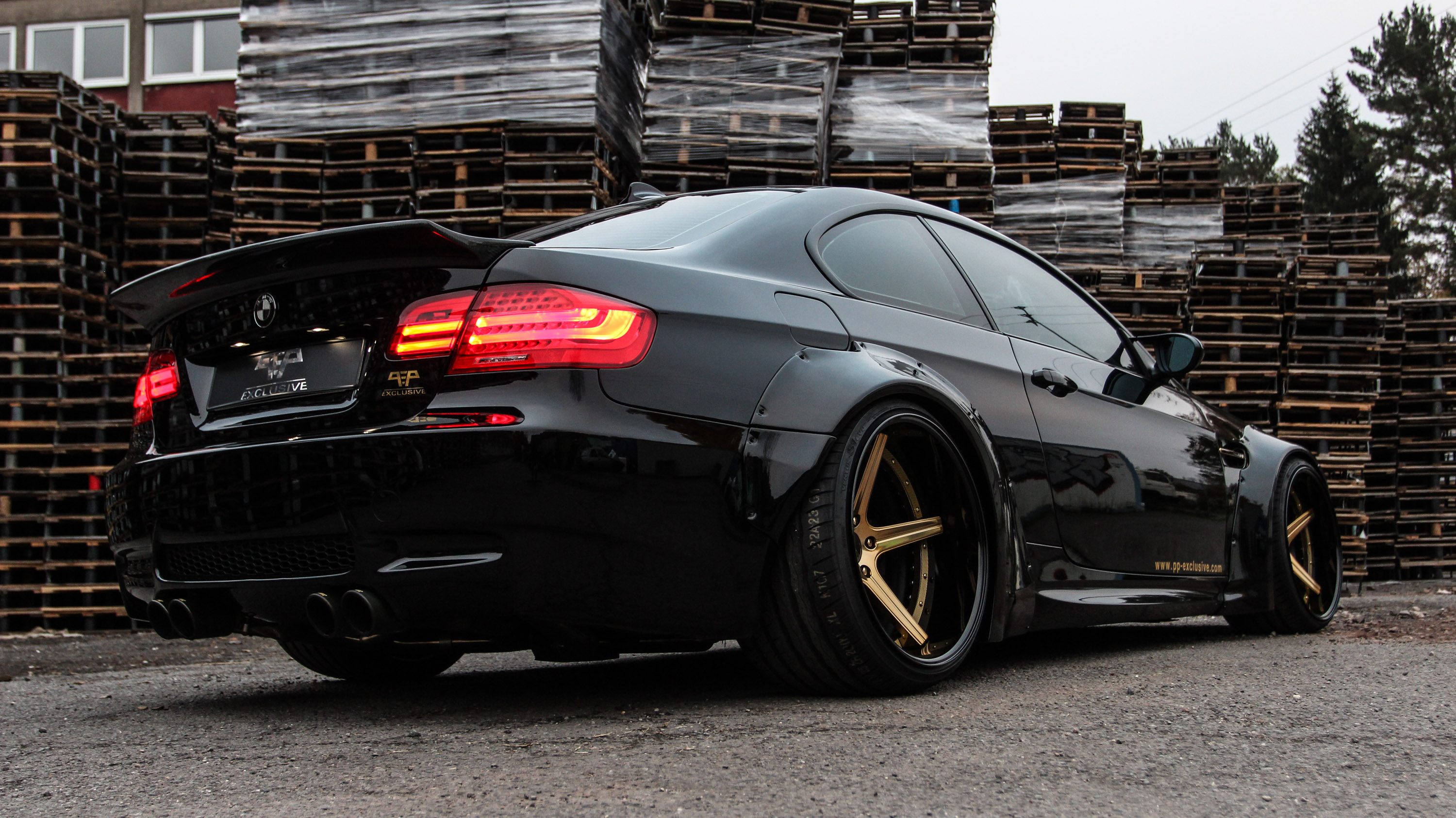 Liberty Walk Bmw M3 E92 Widebody Kit