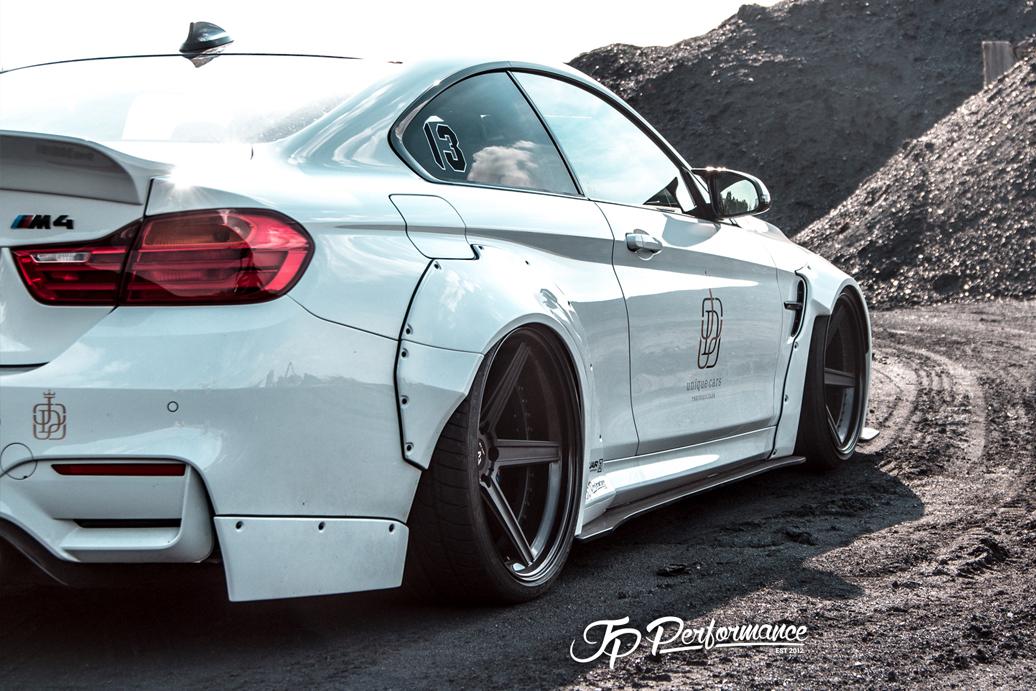 BMW M4 Tuning - Oto Kokpit