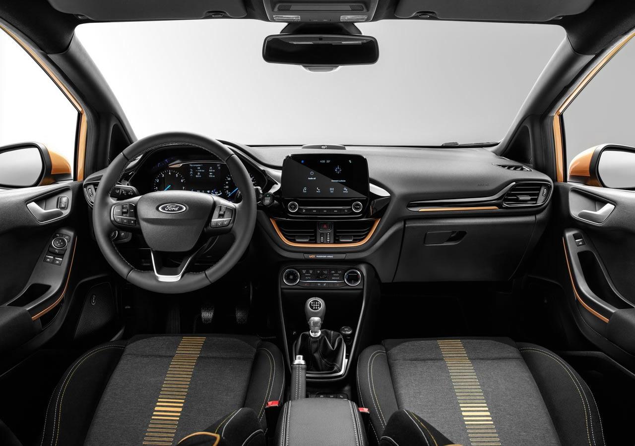 2017 Yeni Ford Fiesta Active Kokpiti