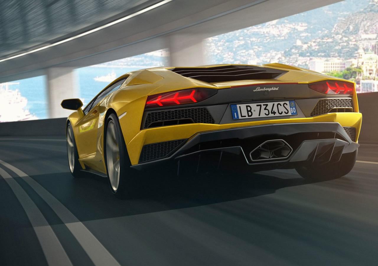 2017 Yeni Lamborghini Aventador S Teknik Özellikleri