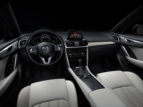 Yeni Mazda CX-4 Kokpiti