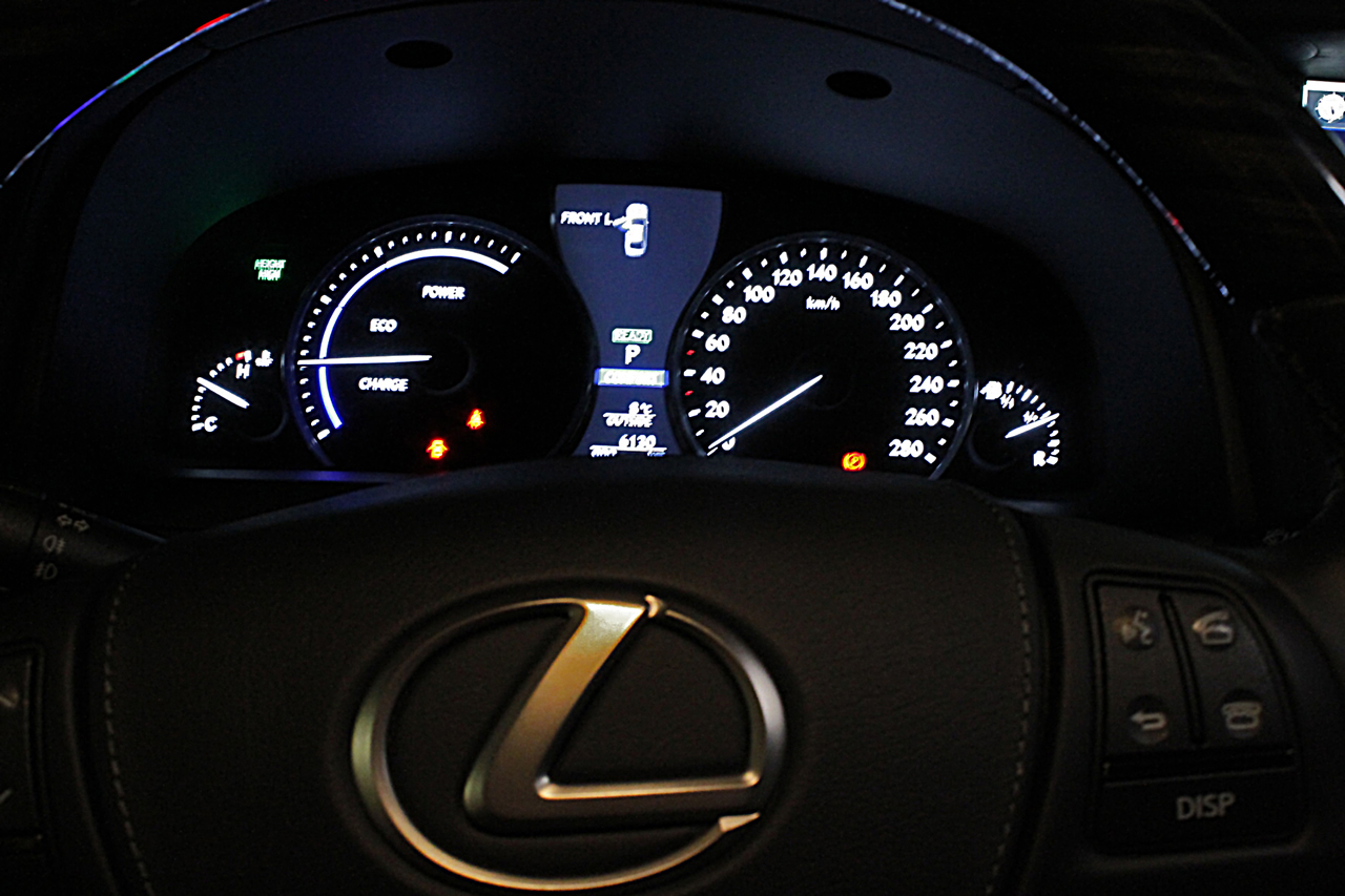 Lexus LS600hL 0-100