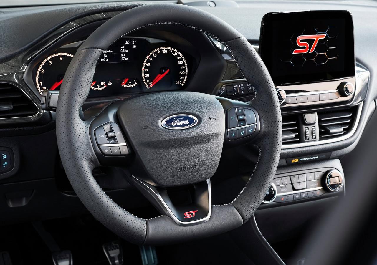 2018 Yeni Ford Fiesta ST İçi