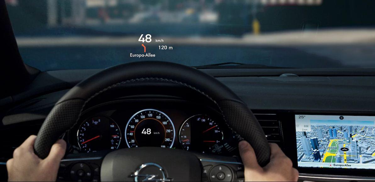 Yeni Kasa Opel Insignia Grand Sport İçi