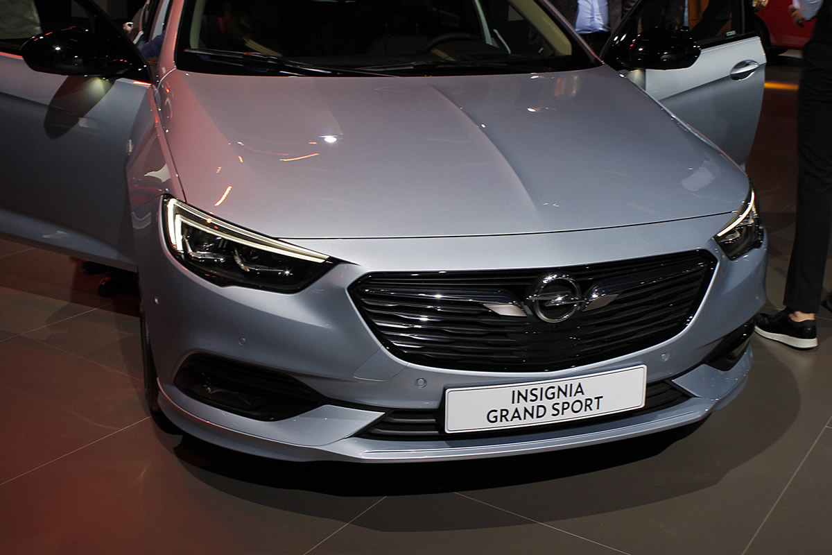 yeni opel insignia grand sport. Black Bedroom Furniture Sets. Home Design Ideas