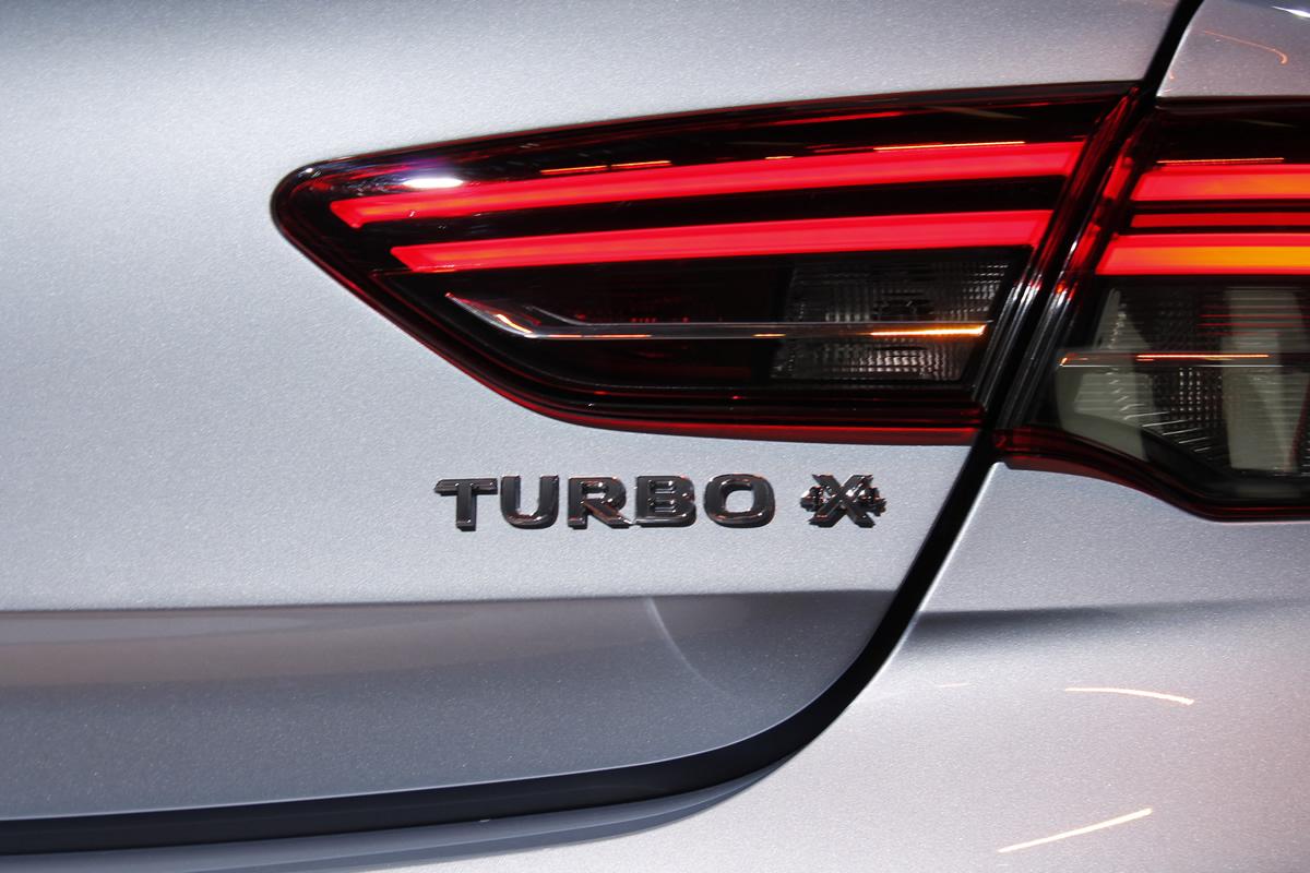 Yeni Opel Insignia Grand Sport Turbo 4x4