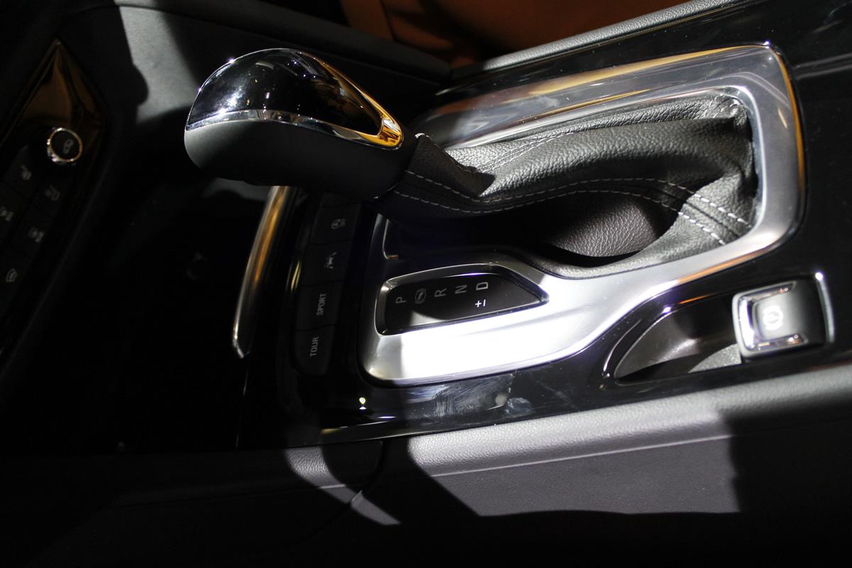 Yeni Opel Insignia Sports Tourer İçi