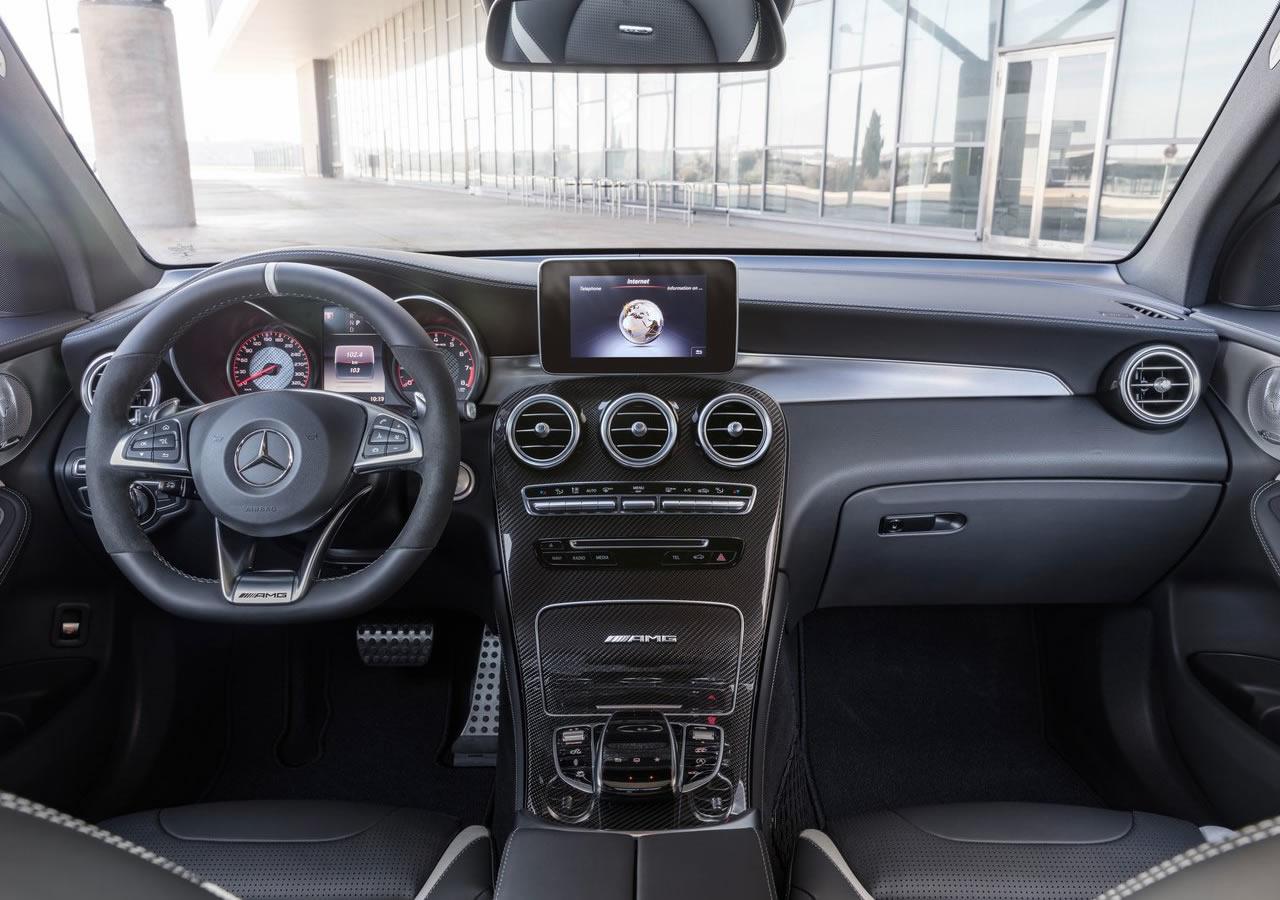 Yeni Mercedes-AMG GLC63 S Kokpiti