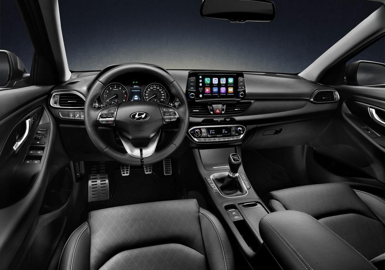 Yeni Hyundai i30 Fastback Fotoğrafları
