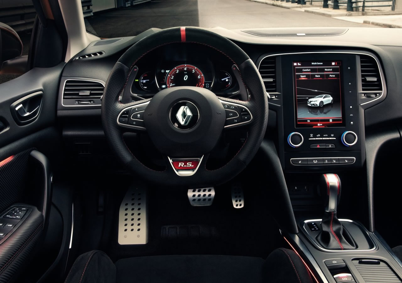 2018 Yeni Renault Megane 4 RS Kokpiti