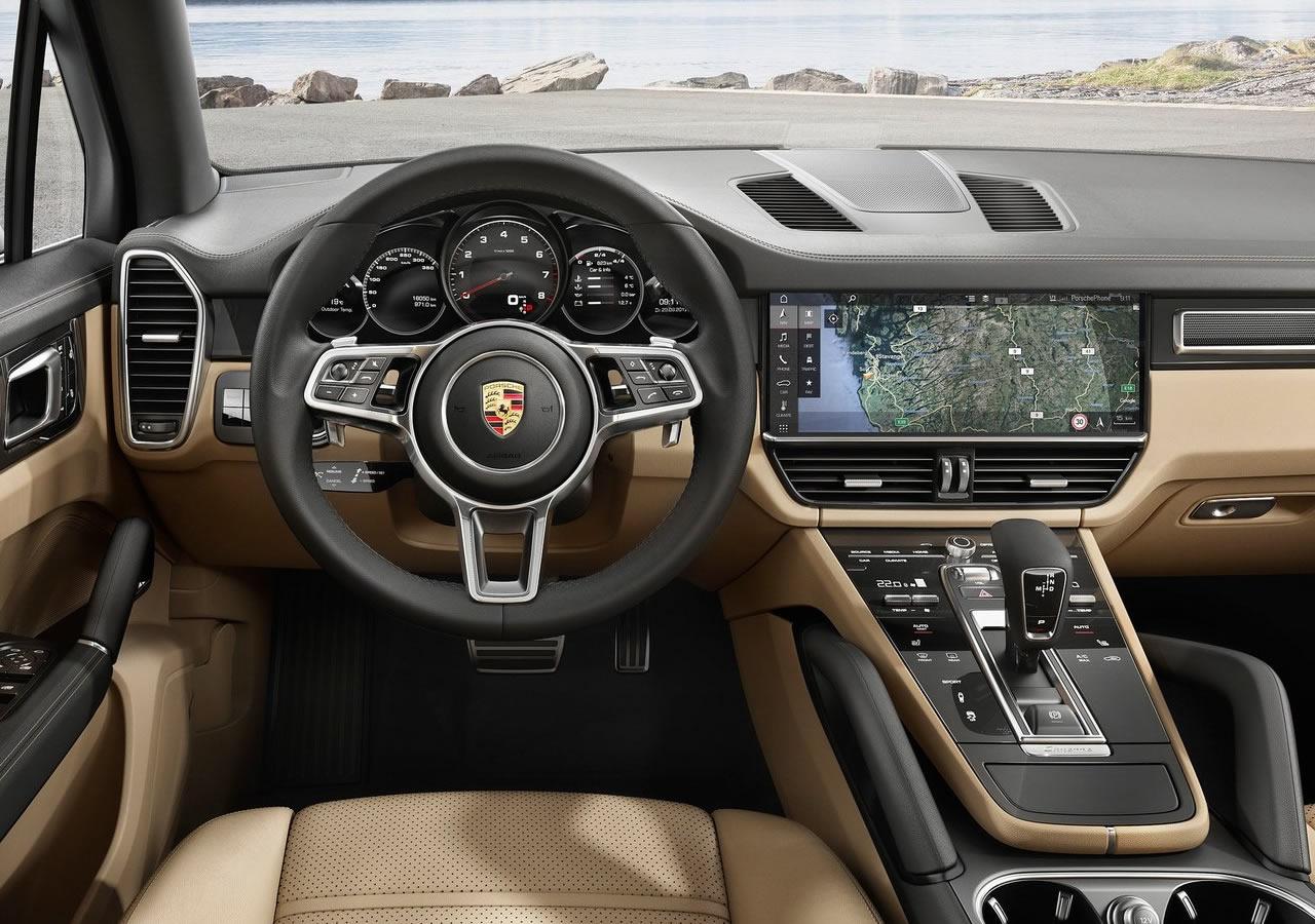 2018 Yeni Porsche Cayenne Kokpiti