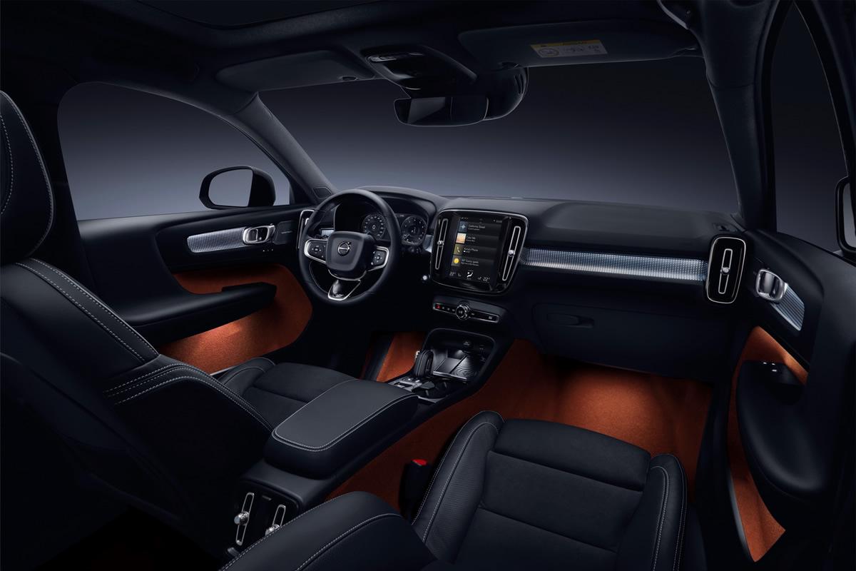 Yeni Volvo XC40 Kokpiti