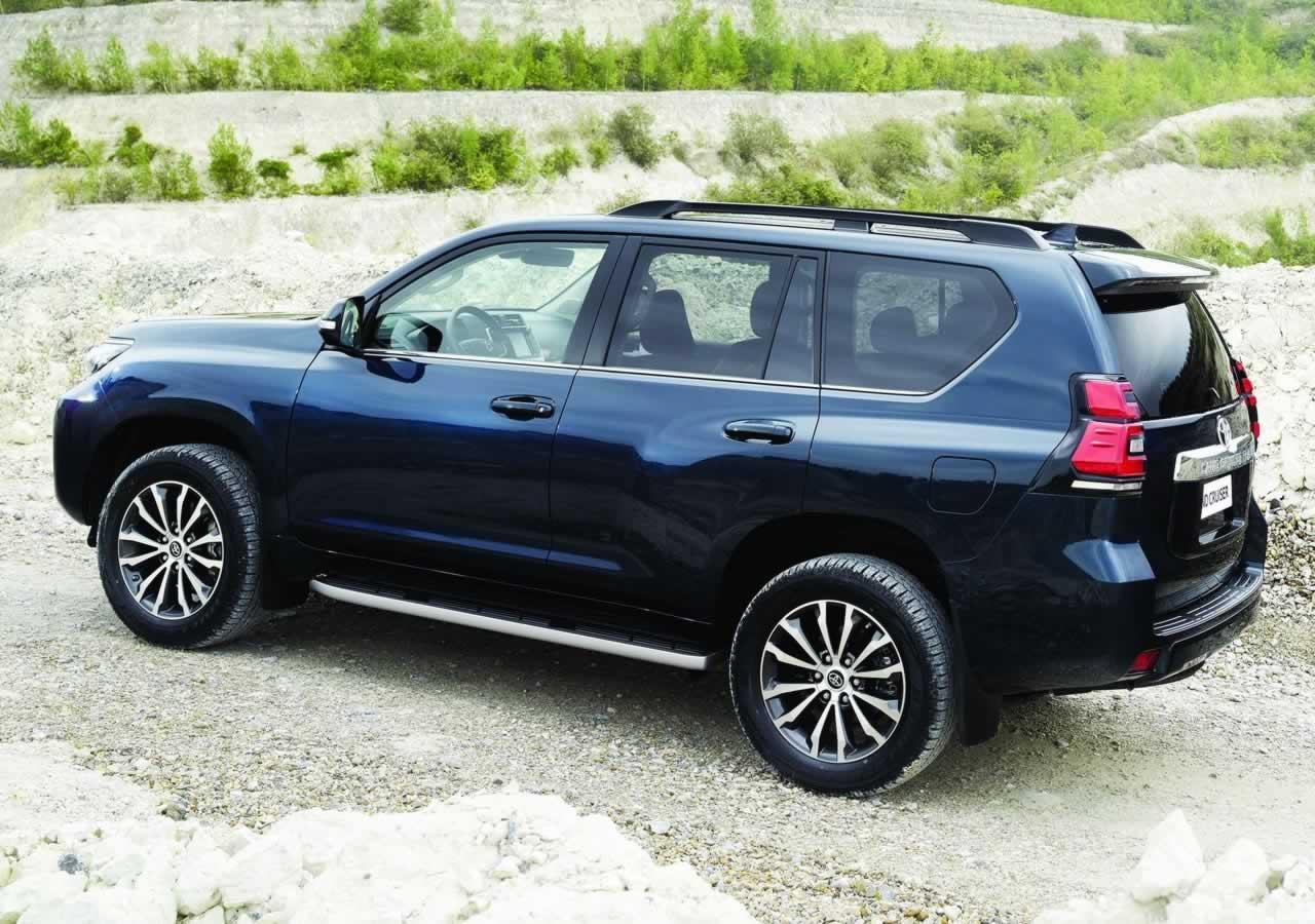 2018 Yeni Toyota Land Cruiser Fotoğrafları