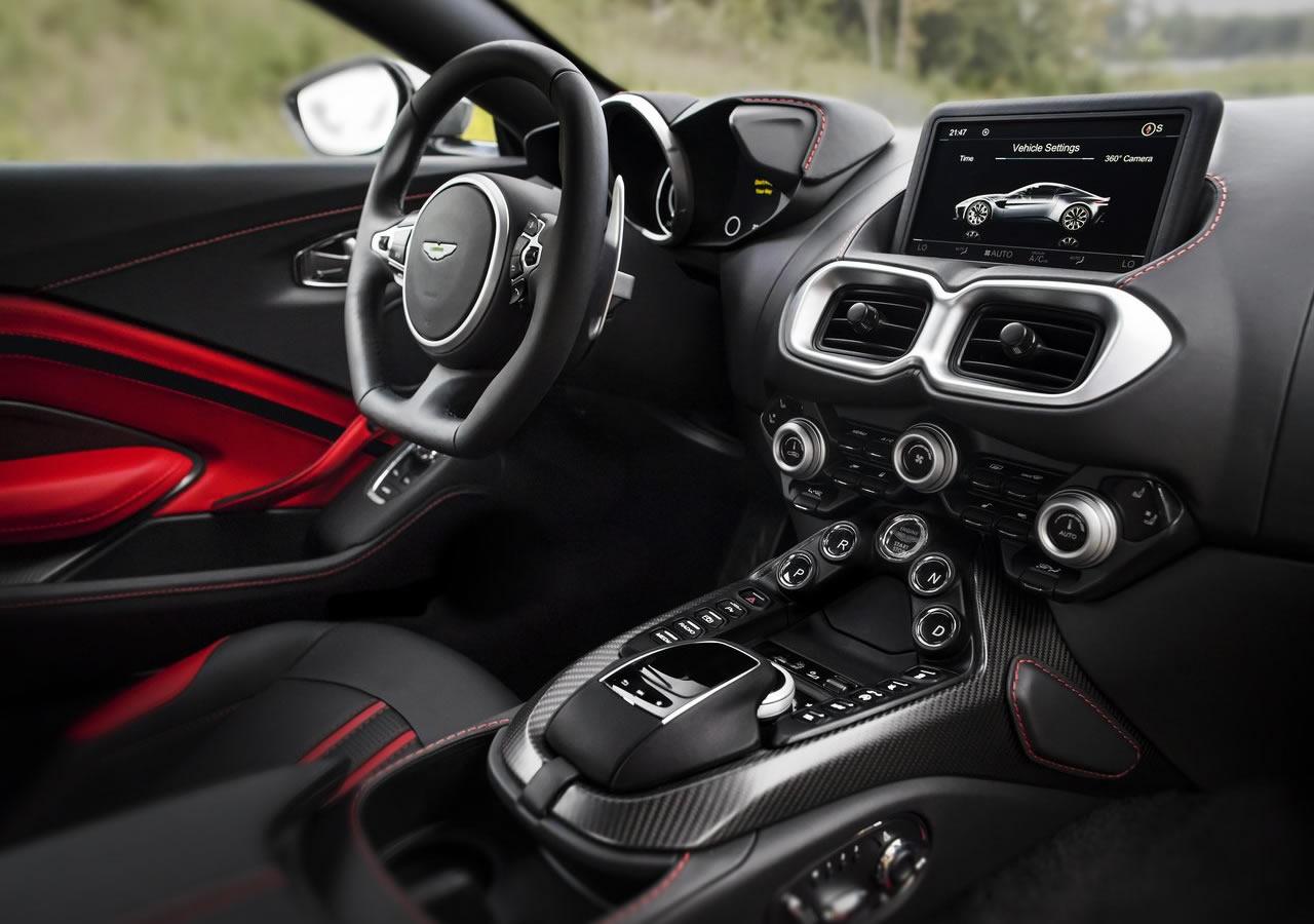 2019 Yeni Kasa Aston Martin Vantage İçi