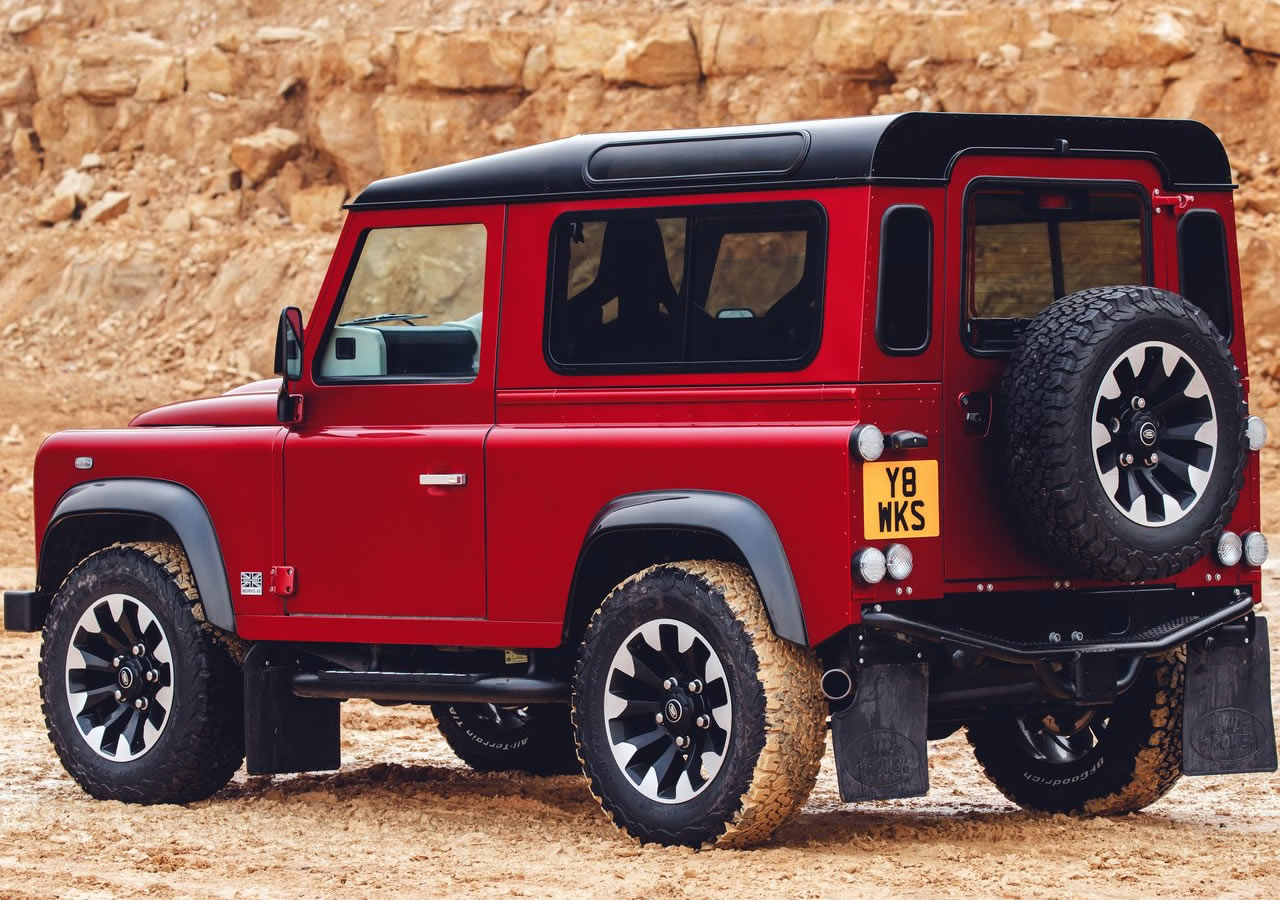2018 Land Rover Defender Works V8 Özellikleri