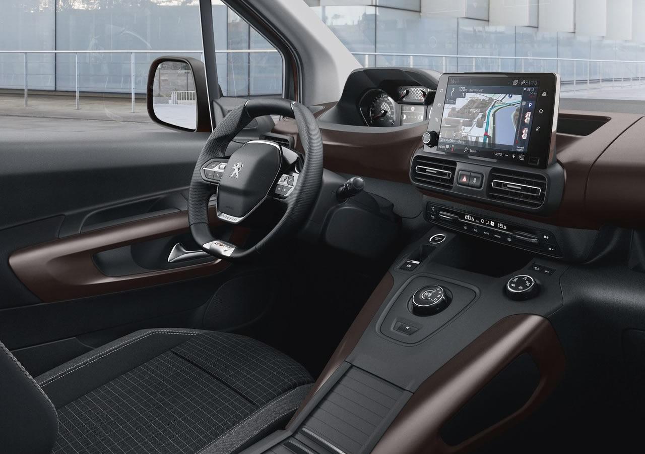 Yeni Peugeot Rifter İçi