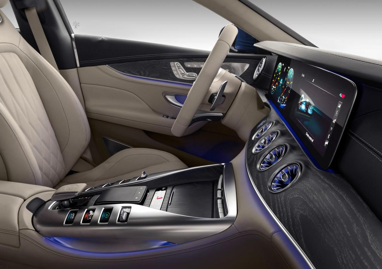 Mercedes Benz Amg Gt63 Arkası Oto Kokpit