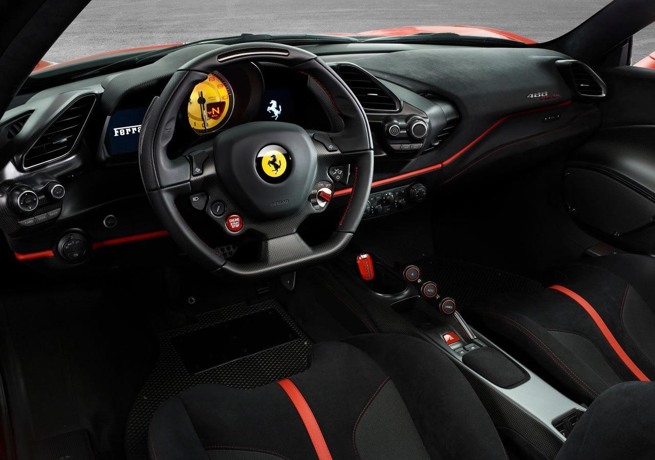 Yeni Ferrari 488 Pista Fotoğrafları