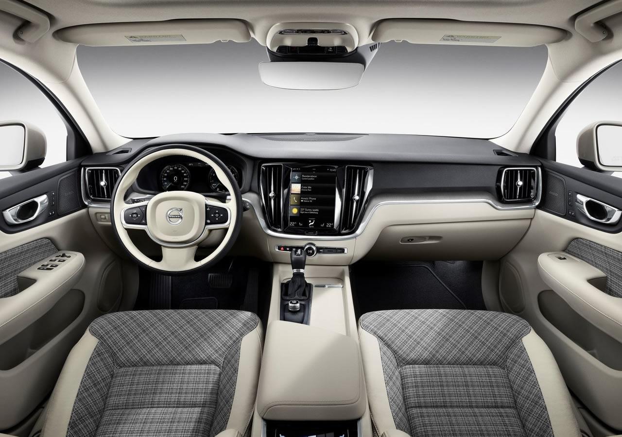 Yeni Kasa Volvo V60 Kokpiti