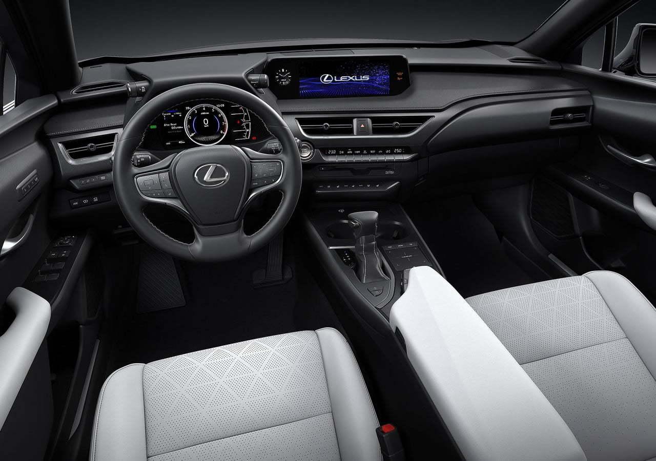 Yeni Lexus UX Kokpiti