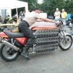 4.2 litre 48 Silindirli Motosiklet