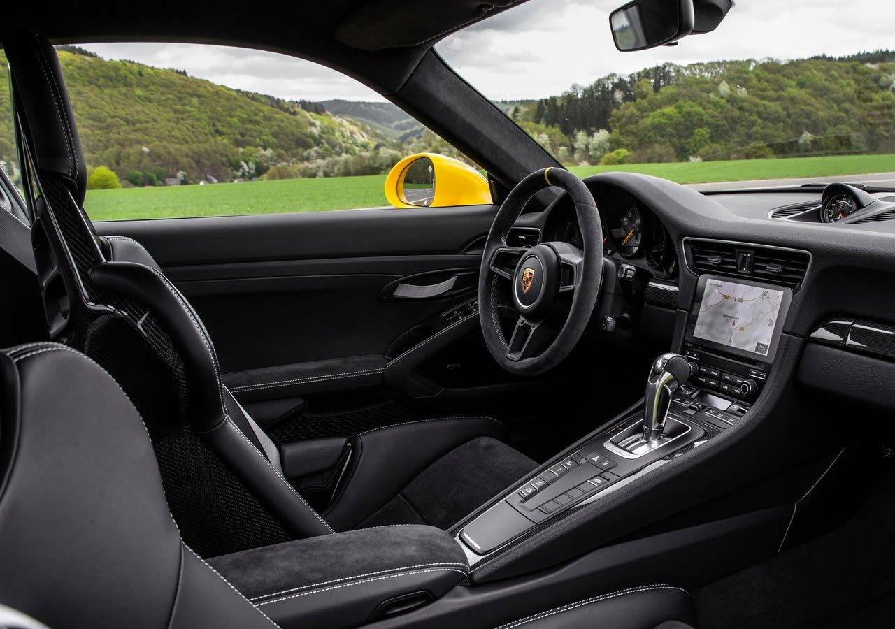 2019 Porsche 911 GT3 RS Weissach İçi