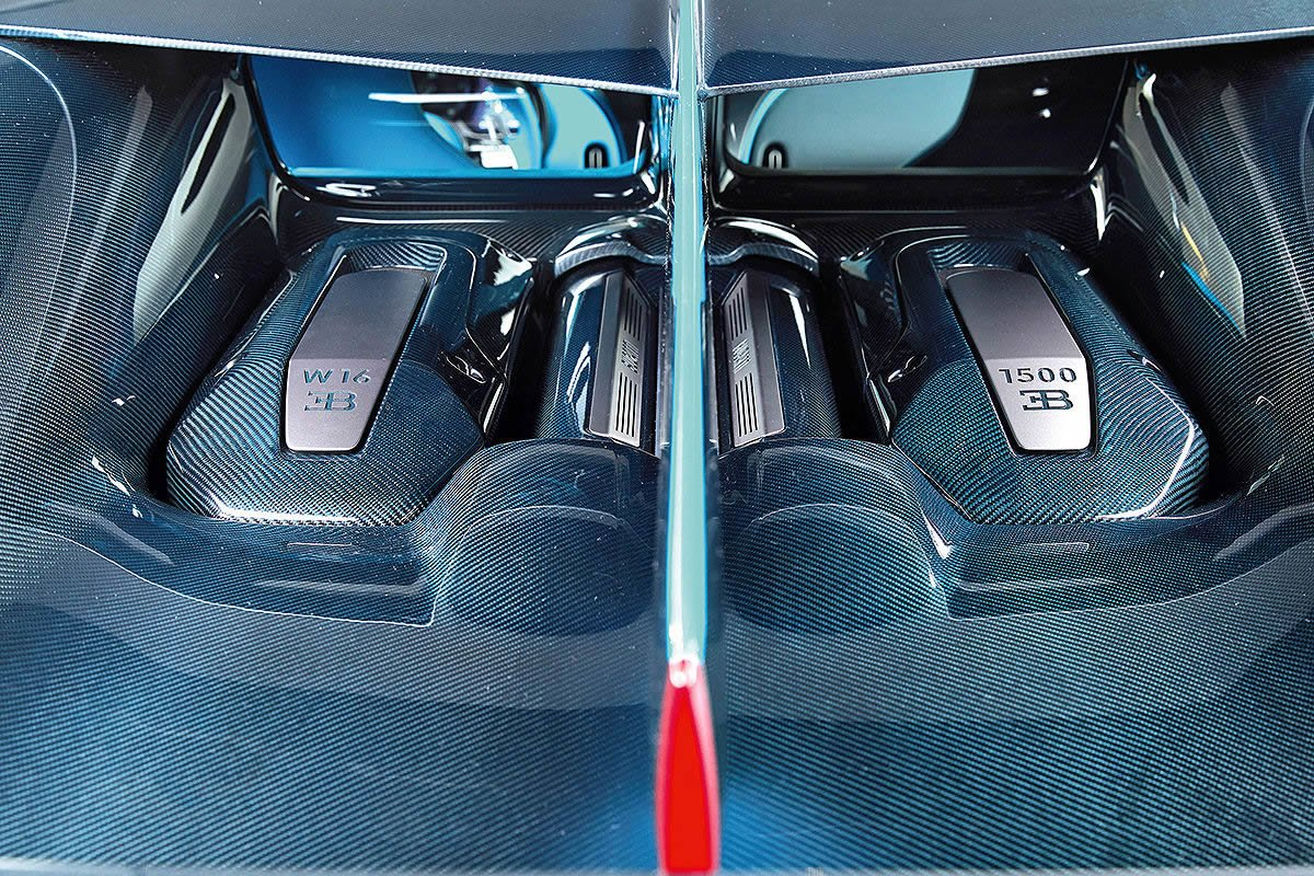 Yeni Bugatti Divo Motoru