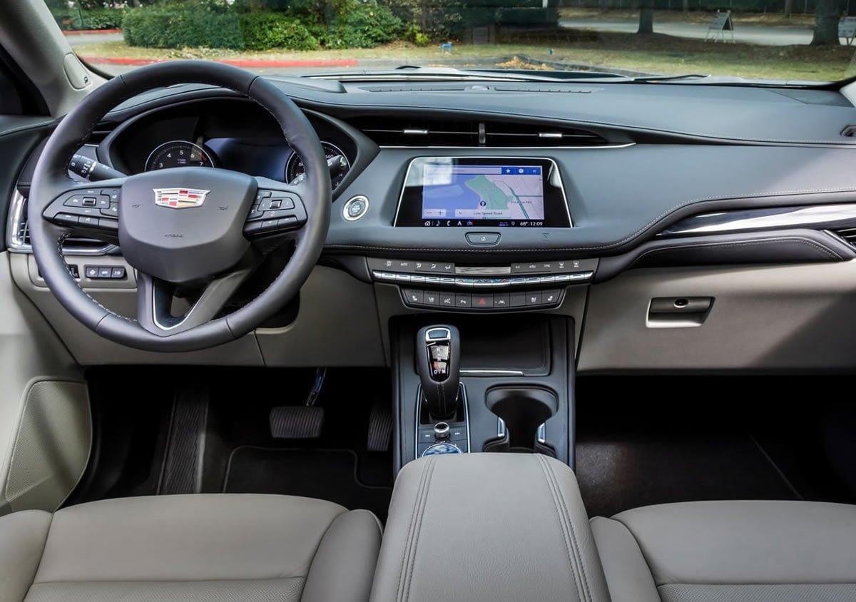 Yeni Cadillac XT4 Kokpiti