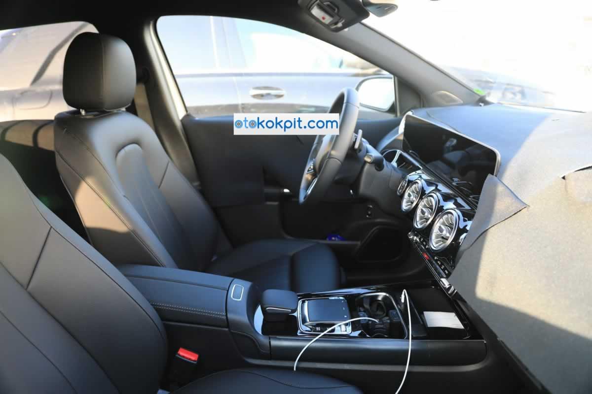 Yeni Kasa Mercedes-Benz B Serisi Kokpiti