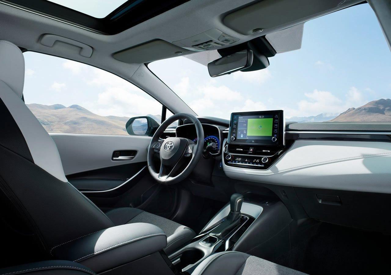 2019 Yeni Toyota Corolla Touring Sports Kokpiti