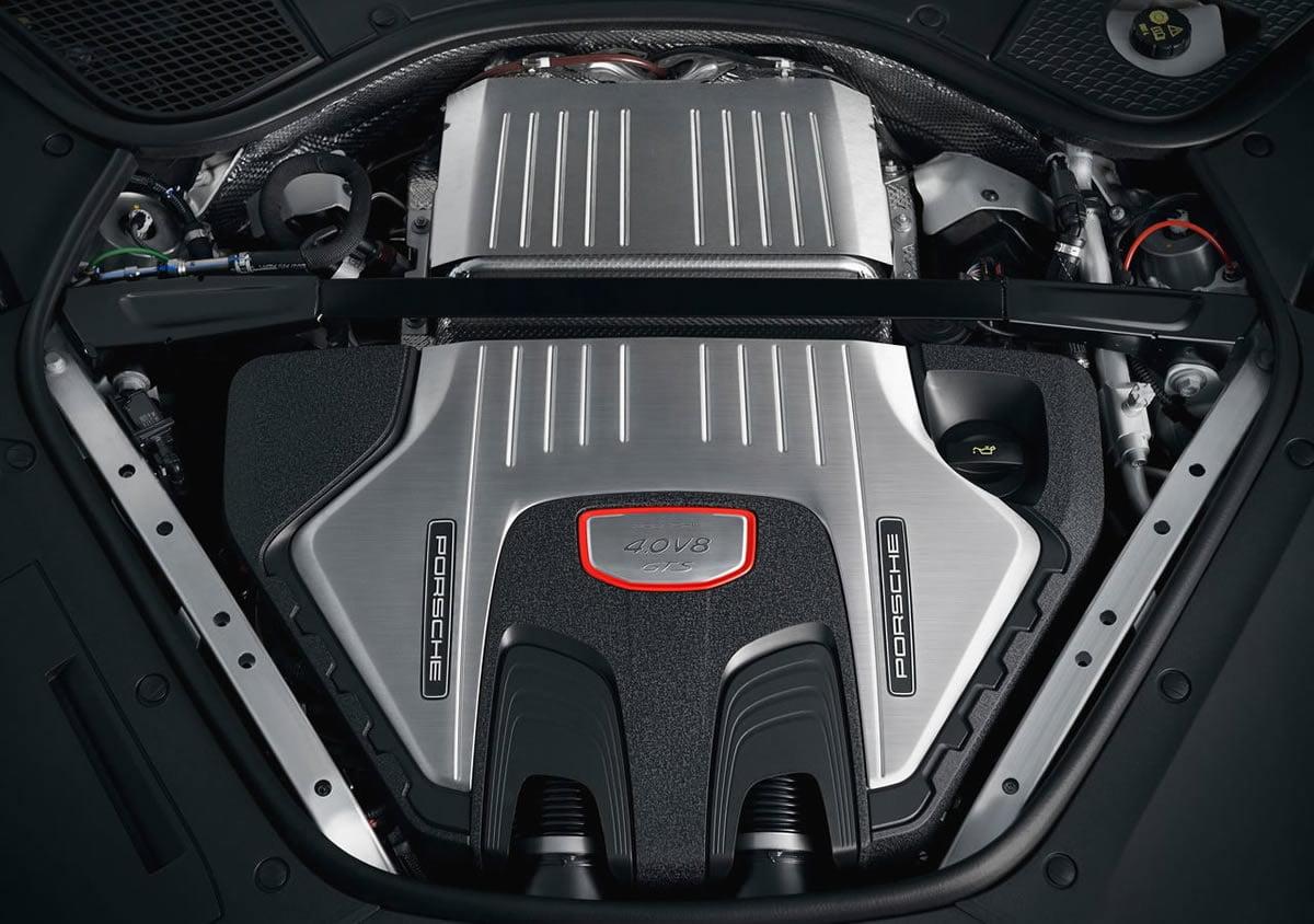 2019 Yeni Porsche Panamera GTS Motoru