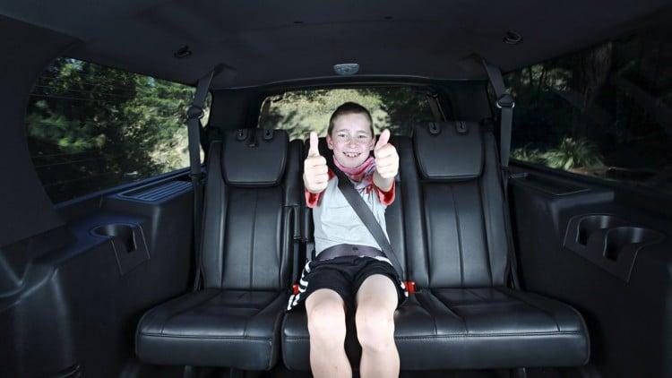 Araba Arka Koltuğunda Çocukları Korumak