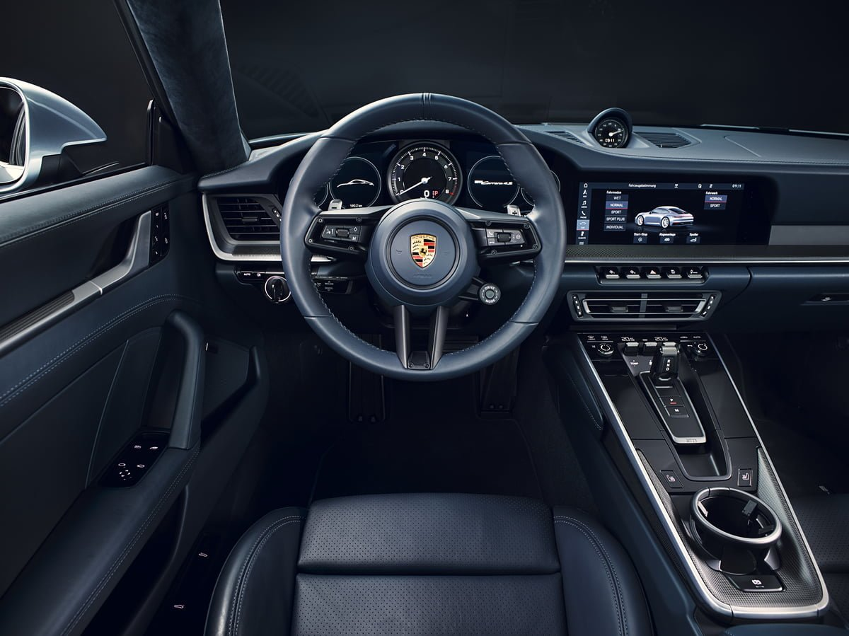 Yeni Porsche 911 992 Carrera 4S Kokpiti