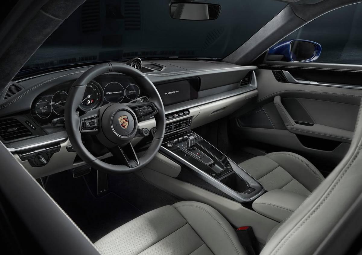 Yeni Porsche 911 992 Carrera 4S İçi