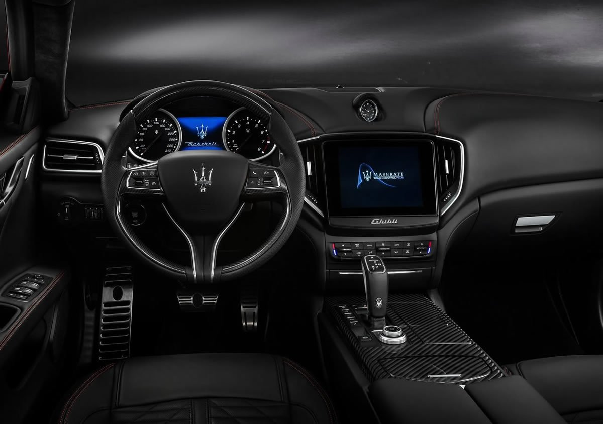 Makyajlı 2019 Maserati Ghibli Kokpiti