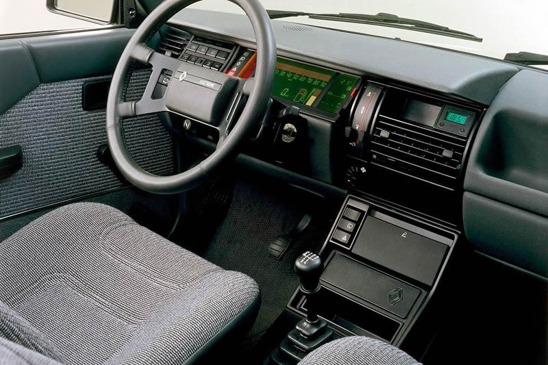 Renault 11 TSE Kokpiti