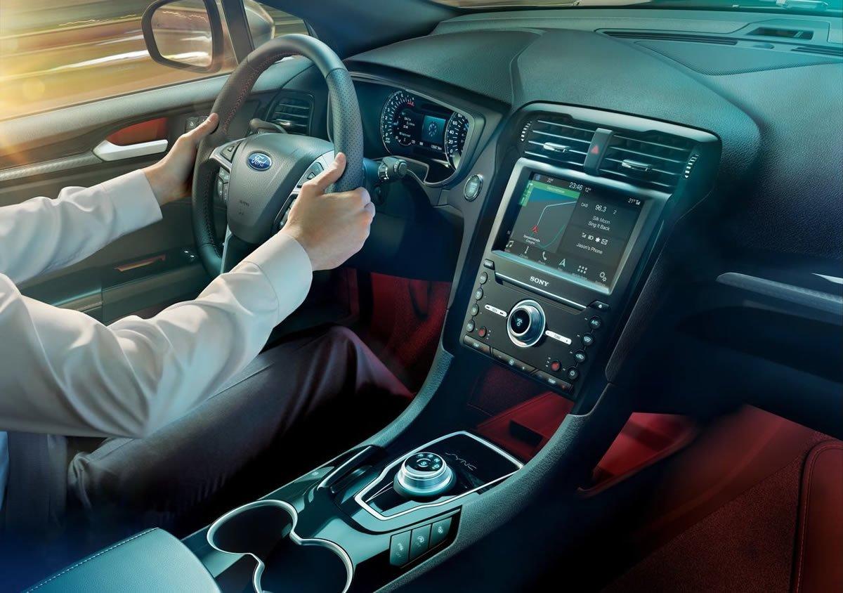 2019 Yeni Ford Mondeo Wagon Hibrit Kokpiti