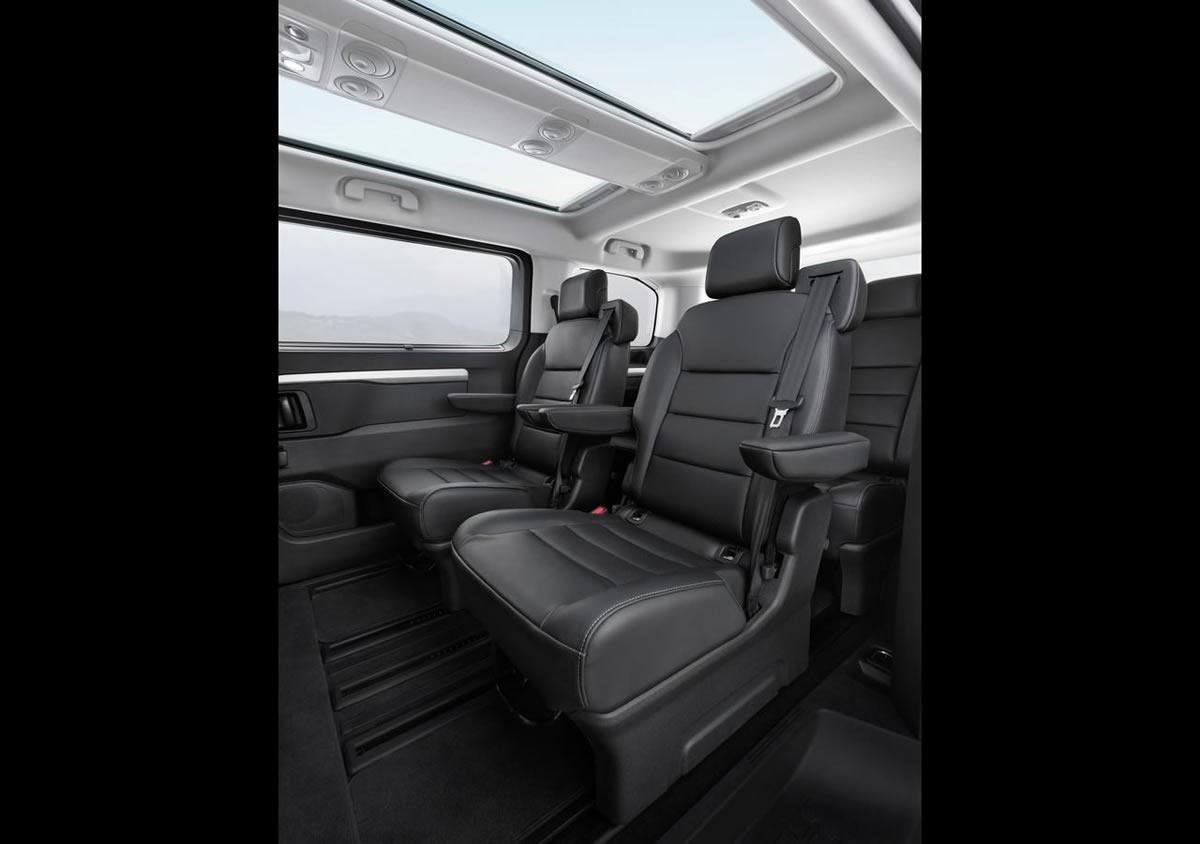 2020 Yeni Opel Zafira Life İçi