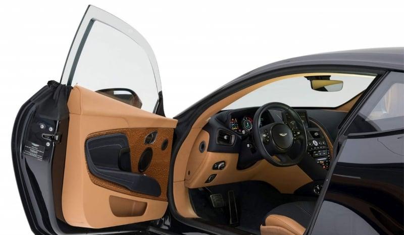 Zırhlı Aston Martin DB11 İçi