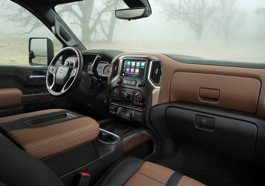 2020 Yeni Kasa Chevrolet Silverado HD Kokpiti