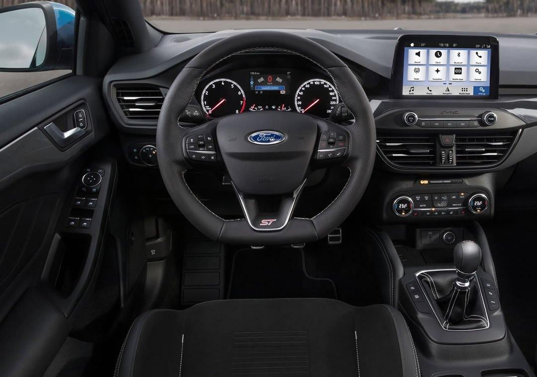 2020 Yeni Kasa Ford Focus ST Kokpiti