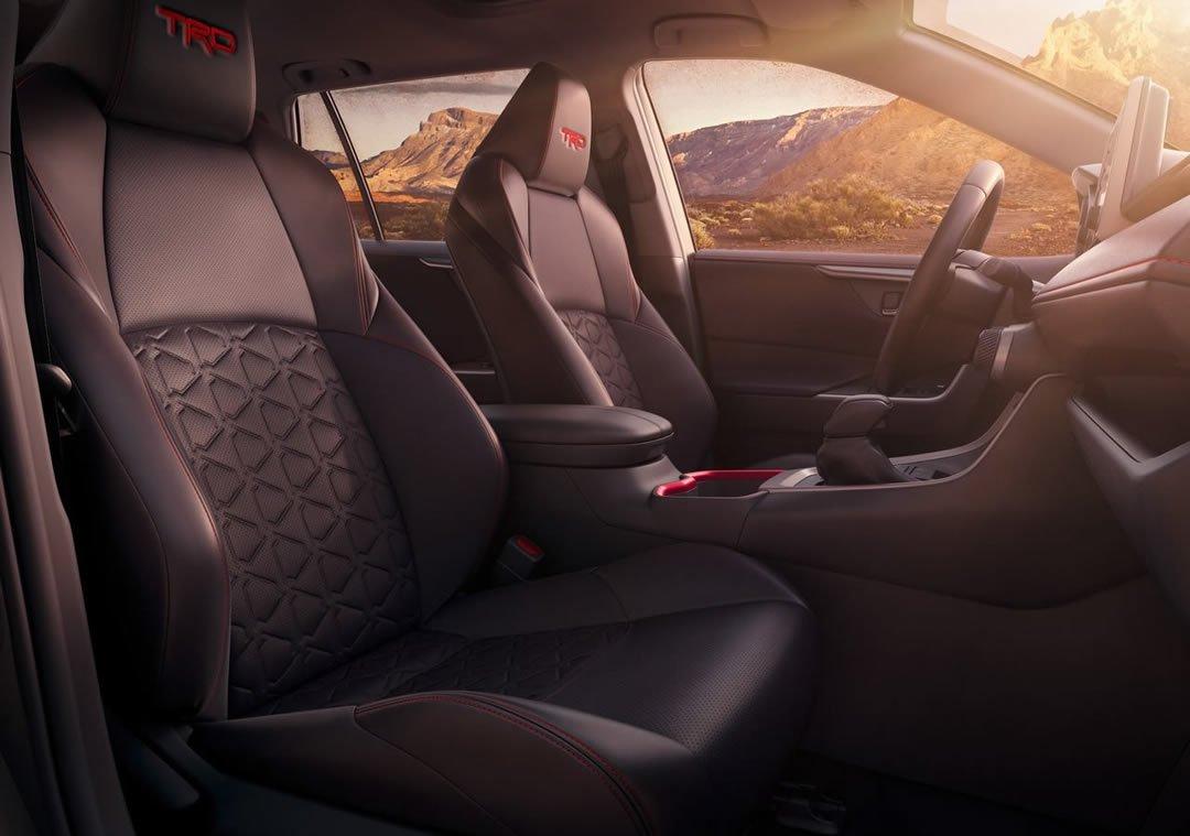 2020 Yeni Toyota RAV4 TRD Off Road İçi