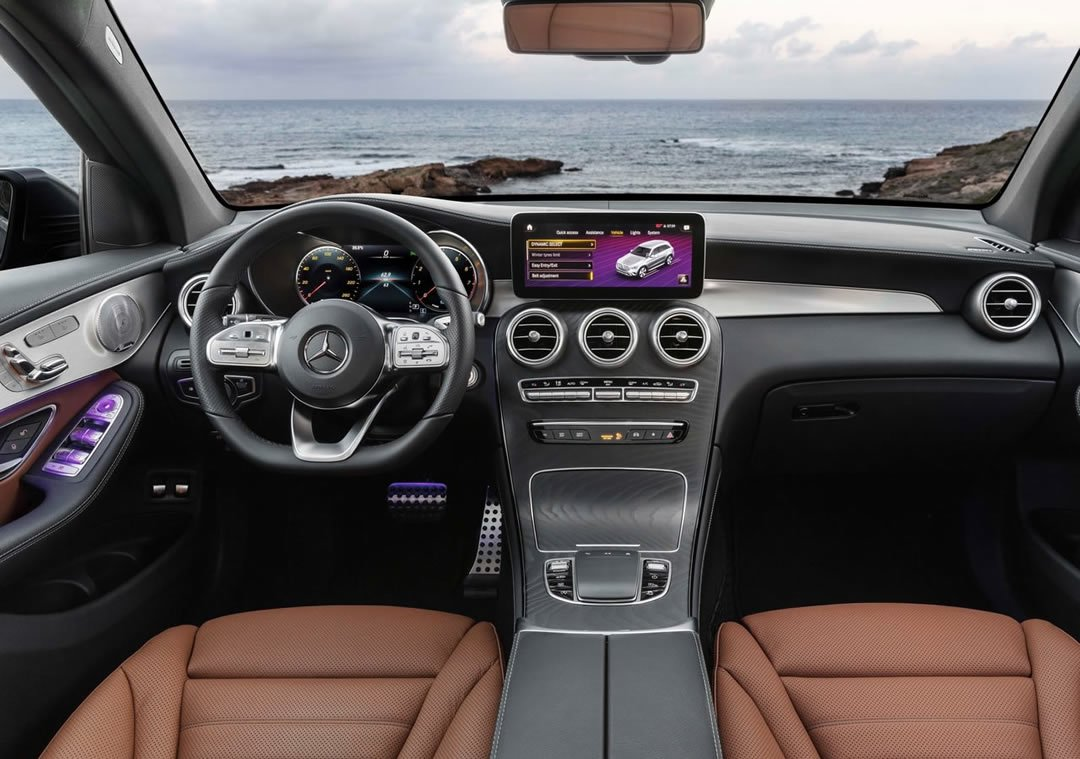 Makyajlı 2020 Mercedes-Benz GLC Kokpiti