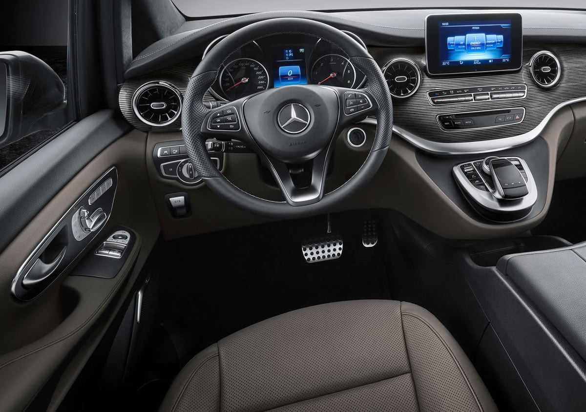 Makyajlı Mercedes-Benz V-Serisi Kokpiti