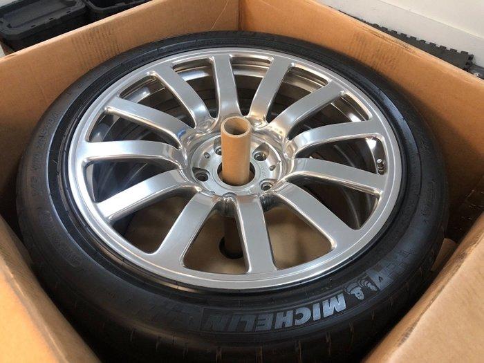 Bugatti Veyron Jantları
