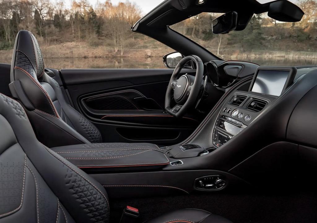 2020 Aston Martin DBS Superleggera Volante Donanımları